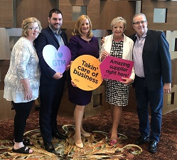 REPRO FREE 14/07/2018, Hollywood, Florida, United States – Eight tourism companies from the island of Ireland travelled to Hollywood in Florida, to join Tourism Ireland at Global Travel Marketplace (GTM). PIC SHOWS: Ellen McNulty, Lynott Tours; Eoin McGrath, Culloden Estate & Spa; Lisa Marshall, Lough Eske Castle; Hillarie McGuinness, Tourism Ireland; and Mike Hawe, Isle Inn Tours, at GTM in Florida. Pic – Tourism Ireland (no repro fee) Further press info – Sinéad Grace, Tourism Ireland 087 685 9027